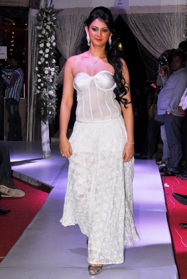 Kamna Jetmalani Hot Ramp Walk at Sheesha Sky Launch