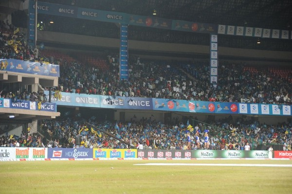 Karnataka Bulldozers VS Chennai Rhinos Match Photos