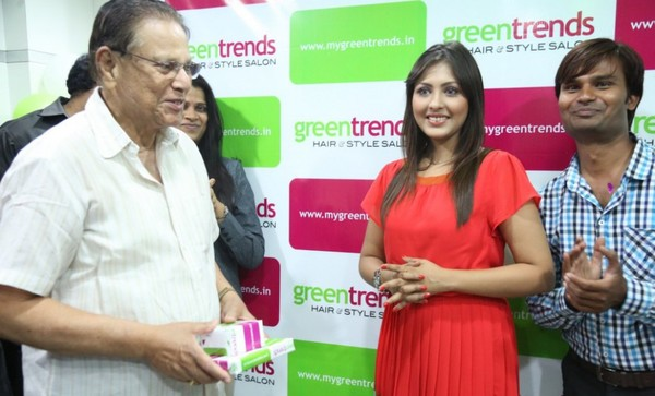 Actress Madhu Shalini Launches Green Trends 108th Salon