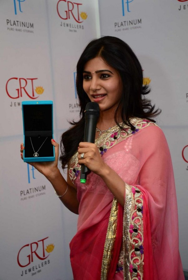 Samantha Prabhu Hot Photos in Saree at GRT Jewelers' Platinum Collection Inauguration