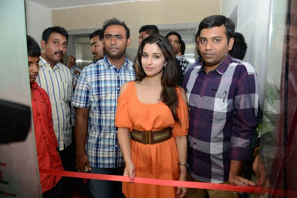 Madhurima Inaugurates Healthy Curves Spa at Jubilee Hills in Hyderabad