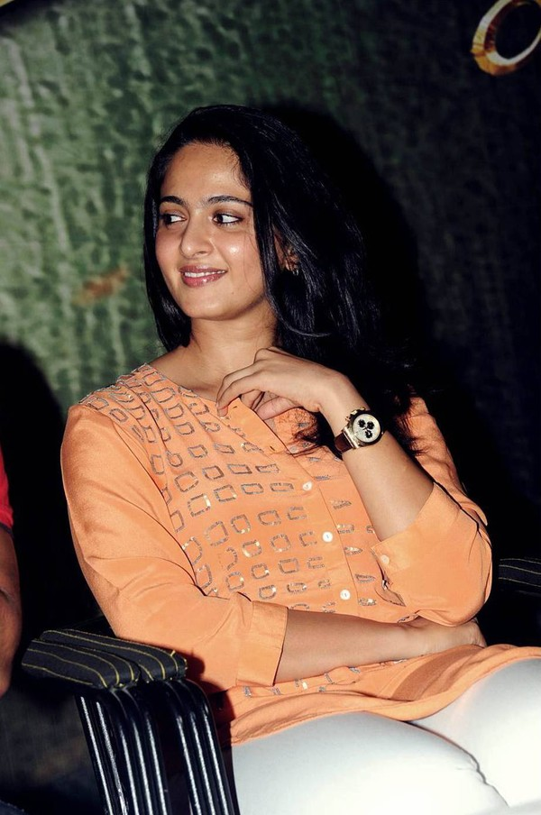 Anushka Shetty at 'Singam 2' (Yamudu 2) Movie Trailer Launch